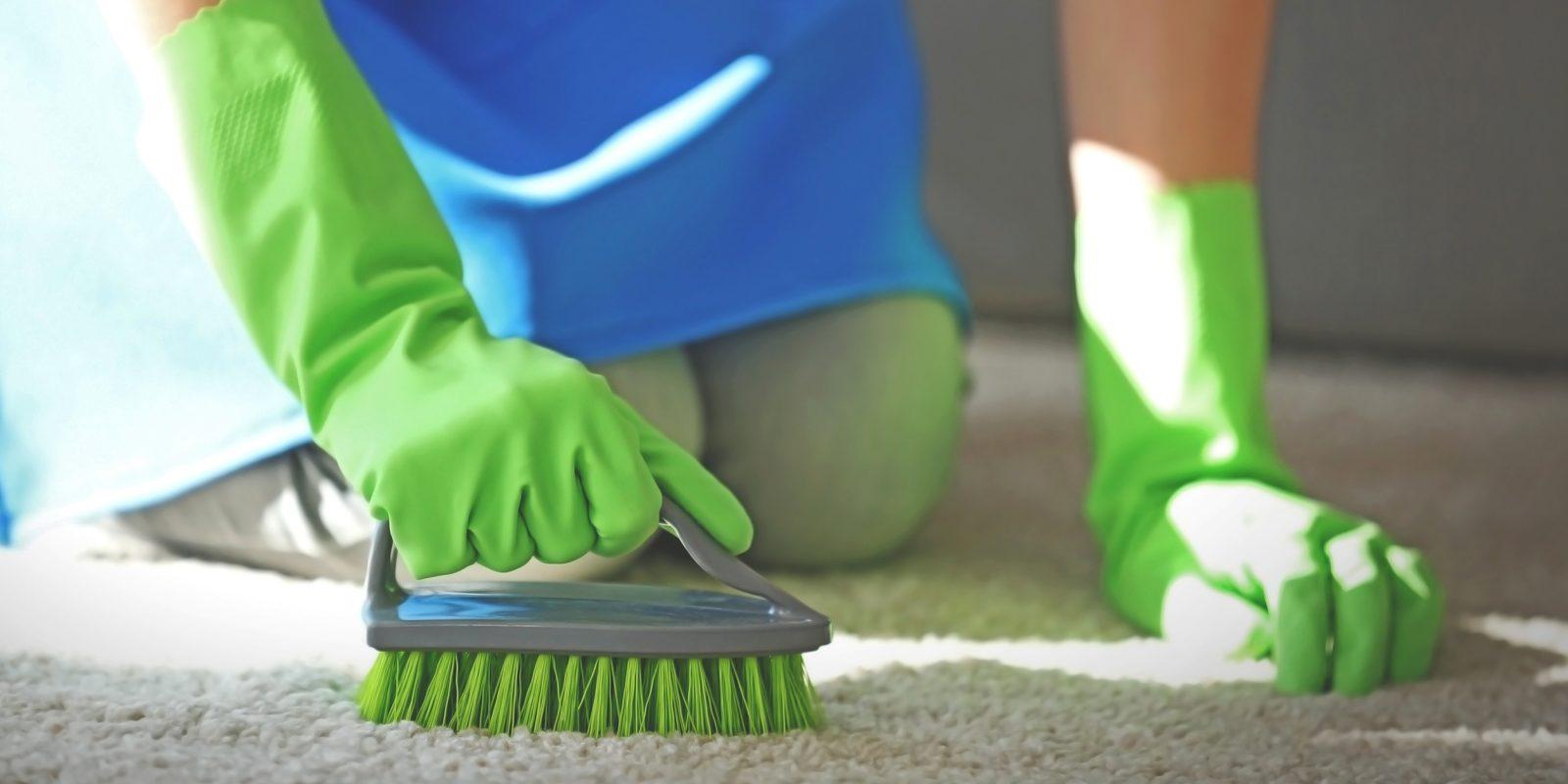 Как очистить ковер самостоятельно?